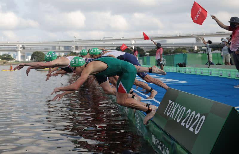 Olympics-Triathlon-Men's race hit by rare false start