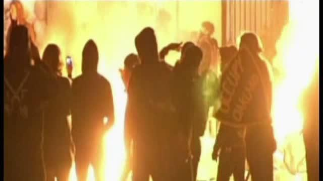 Occupy Oakland protesters clash with police