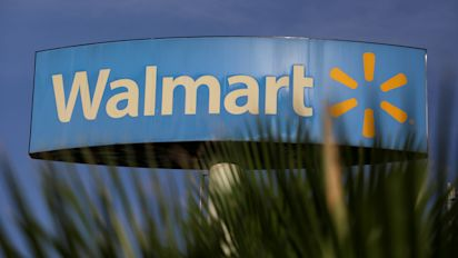 Walmart cuts its 2019 earnings forecast