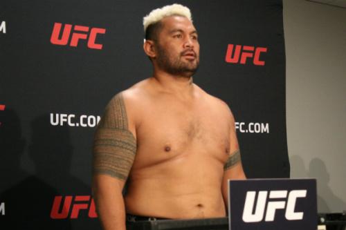Mark Hunt foi nocauteado por Alistair Overeem no UFC 209 - Diego Ribas
