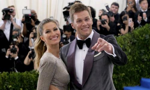 Tom Brady desconversa sobre concussão relatada por esposa