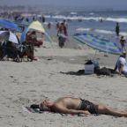 California heat spurs 1st rolling power outages since 2001