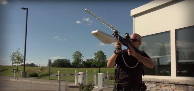 Anti-drone rifle shoots down UAVs with radio waves