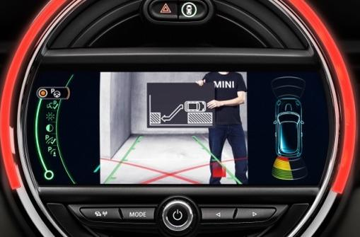 Mini Cooper hardtop gets parking assistance and collision warning systems