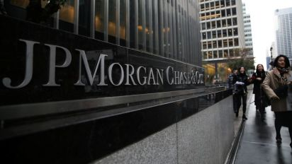 JPMorgan to cut hundreds of jobs in consumer unit