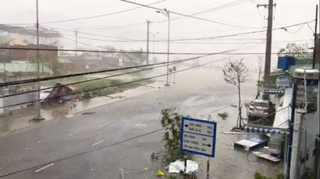 A storm batters a street in Nha Trang, as Typhoon Damrey descends on southern Vietnam, in this still image taken from social media video, November 4, 2017. @SINITSYN_NIKITA/via REUTERS