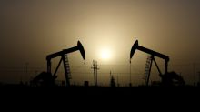 Oil rises above $62/bbl on hopes for U.S.-China trade deal