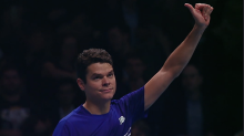 Milos Raonic becomes the first Canadian to reach the ATP Tour Finals semis with win over Dominic Thiem