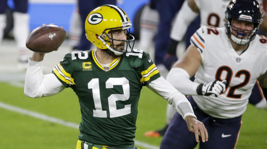 Watch live: Rodgers, Packers rolling against Bears