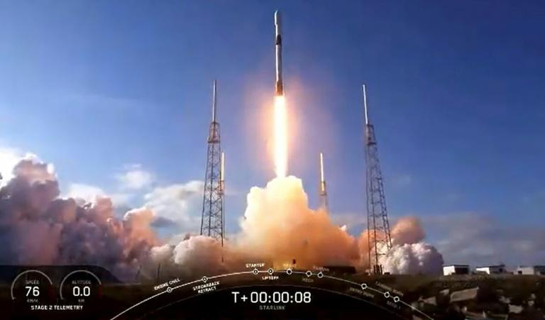 SpaceX re-useable rocket misses landing ship
