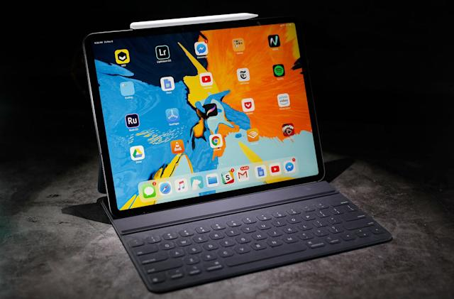 Save up to $300 on 2018 iPad Pro models at B&H