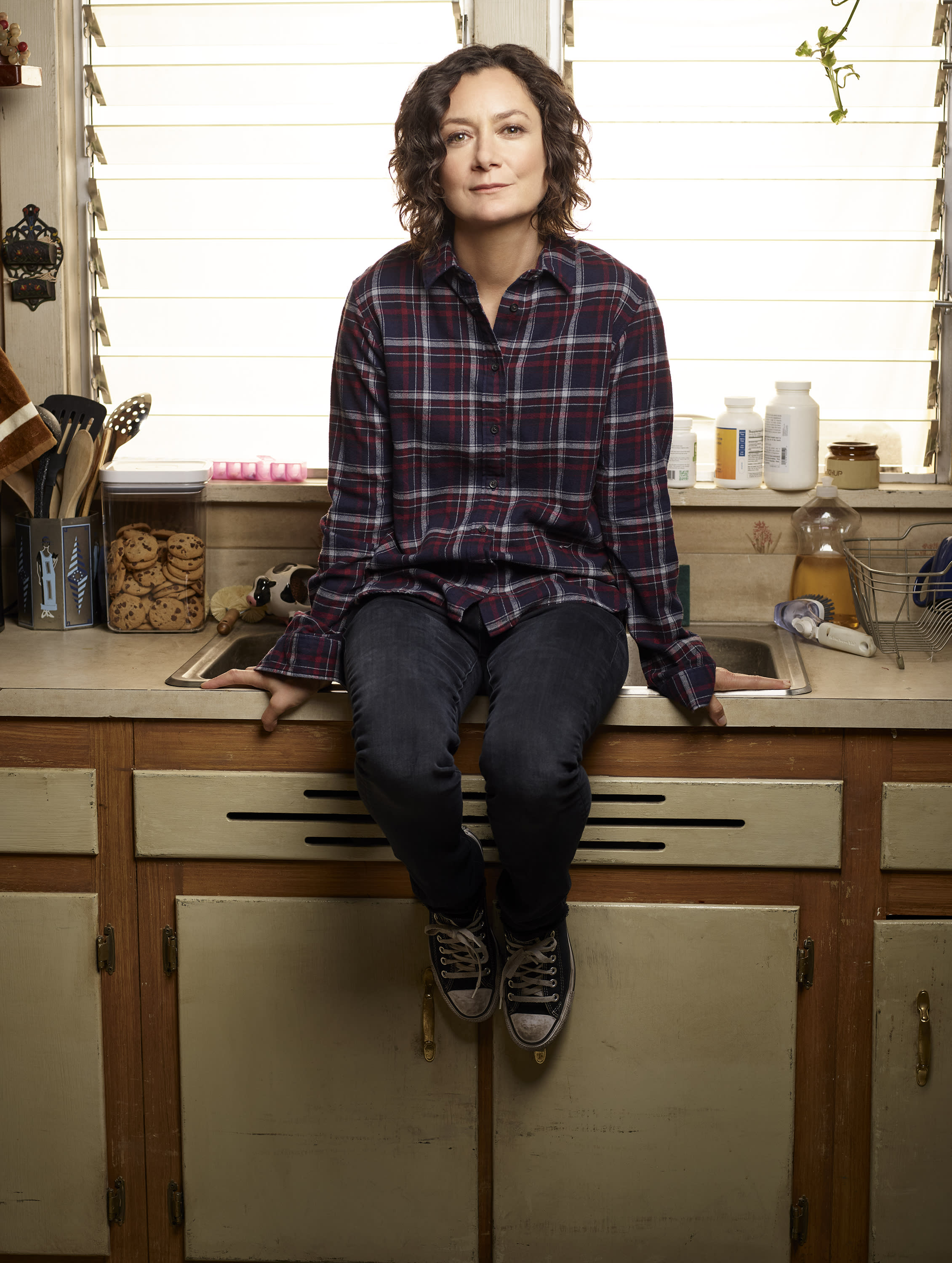 Sara Gilbert talks 'emotional' first season finale of 'The Conners'