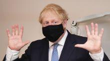 """Primeiro-ministro britânico que venceu Covid-19 critica movimento antivacina: """"eles são malucos"""""""