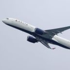Delta aims to hire over 1,000 pilots by next summer -memo