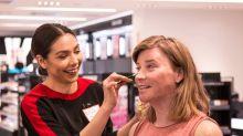 Sephora inaugura em suas lojas aulas de beleza para pessoas trans