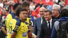 Emmanuel Macron sifflé au Stade de France avec les présidents Laporte et Goze