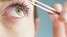 Guía básica para depilarte las cejas en casa