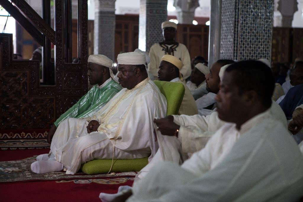Incumbent Gabonese President Ali Bongo Ondimba attends prayers at the Assan II Mosque in Libreville on September 12, 2016 (AFP Photo/Florian Plaucheur)
