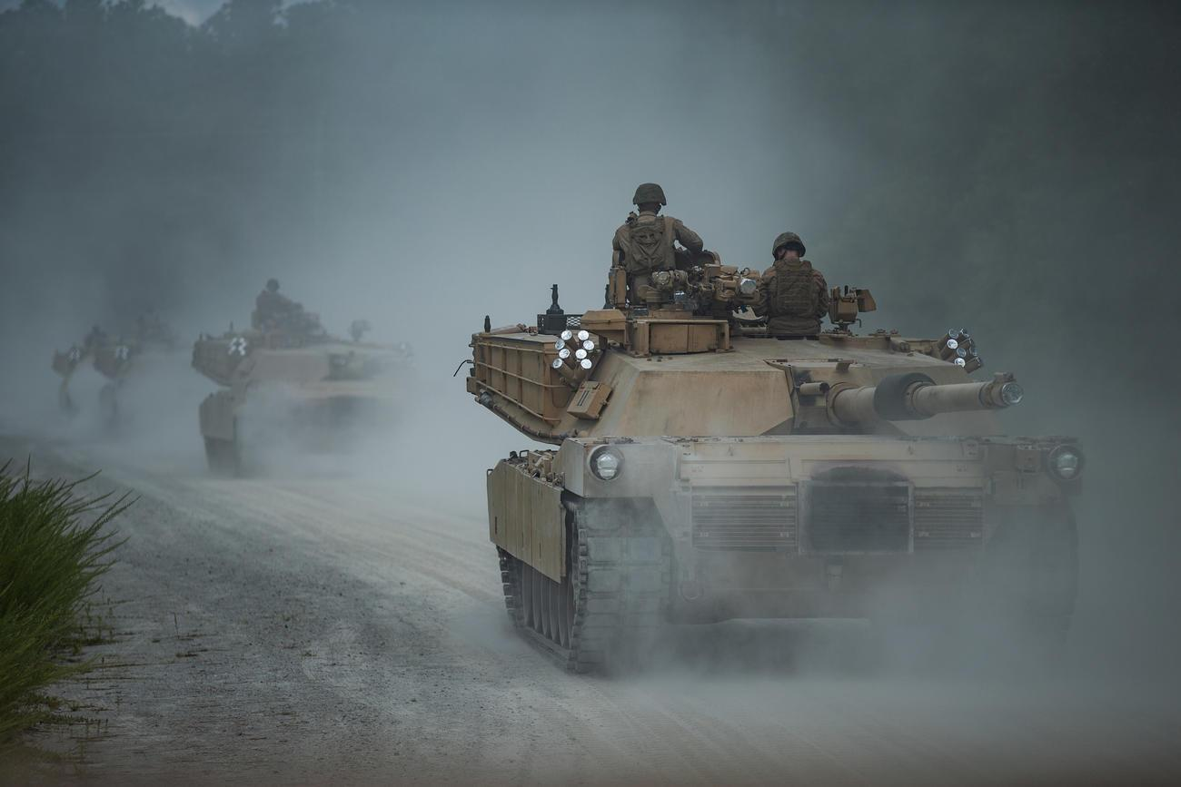 Marine Corps Plan to Ditch Tanks Could Burden the Army, Experts Say