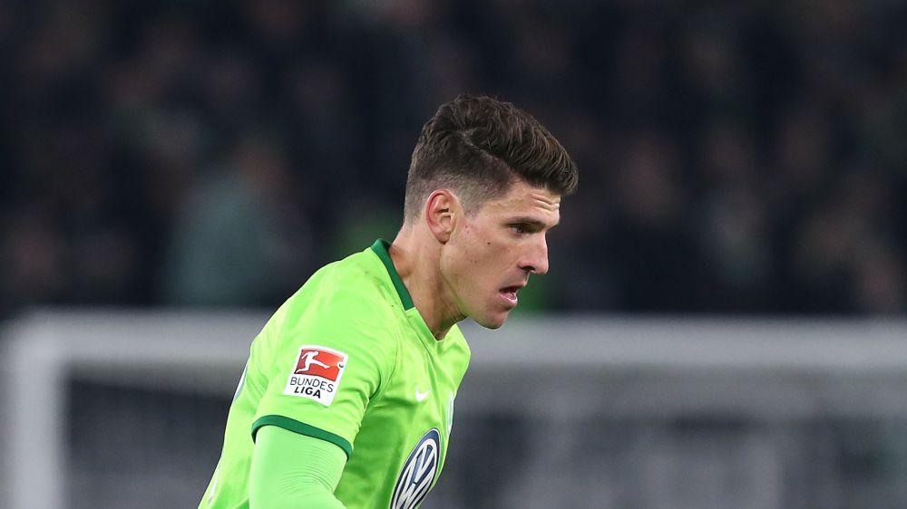 Gomez nets seven-minute hat-trick for Wolfsburg in thrilling draw