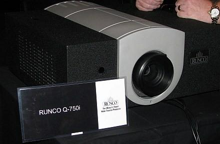 Runco shows up at CEDIA with loads of projectors and flat screen in tow