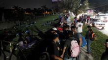 Hondureños inician caravana hacia EEUU para escapar de pobreza y coronavirus