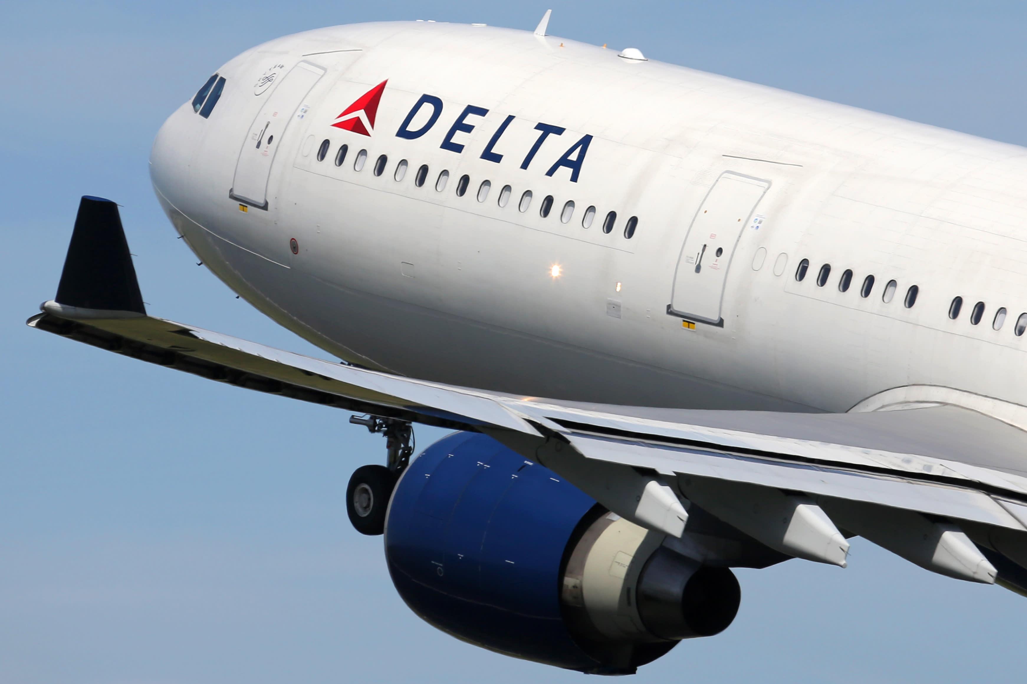 Delta posts narrower than expected Q1 loss as coronavirus hammered demand
