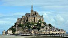 """Le Mont-Saint-Michel à nouveau ouvert au public, """"tout risque"""" est écarté après la présence d'un individu proférant des menaces contre les forces de l'ordre"""