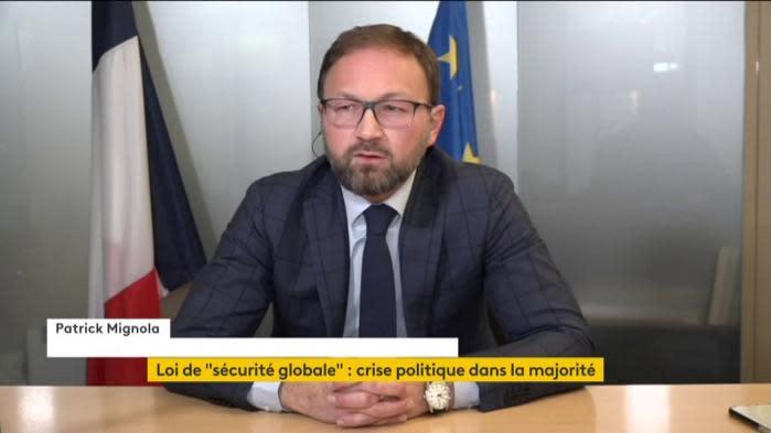 """""""Sécurité globale"""" : """"Cet article 24 est bon dans ses objectifs, mais il a été mal écrit par les technocrates"""", estime le député MoDem Patrick Mignola"""