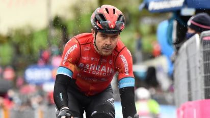 Mikel Landa se retira del Giro tras sufrir una dura caída