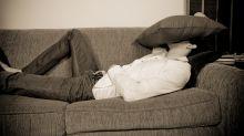 Ver para reír: borracho durmió en casa de sus padres y se llevó una gran sorpresa