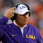 LSU athletic director wanted to fire Les Miles in 2013 after harassment allegations
