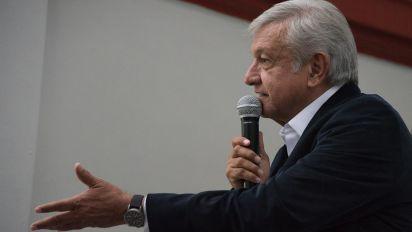 El INE sin registro de los 500 mil pesos que aportó AMLO