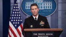 USA: un ministre potentiel se retire, un autre s'explique sur son train de vie