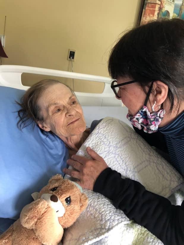 Family demands changes to nursing home regulations after N.B. senior served 'eviction notice'