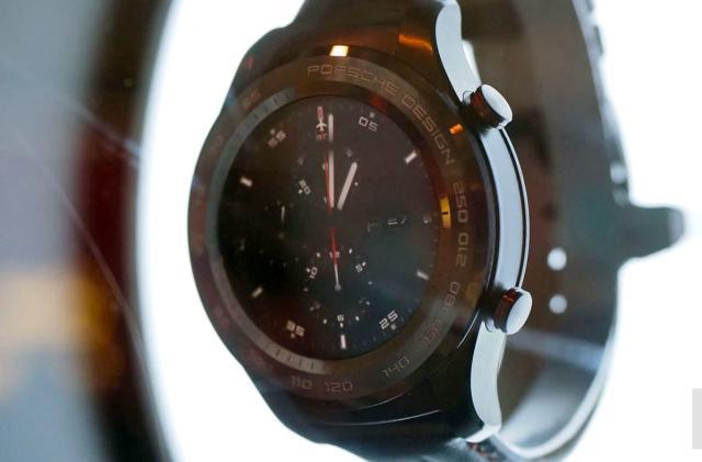 Huawei's fancy Porsche Design watch is rather ordinary