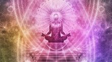 Ouvir músicas de ioga antes de dormir pode fazer bem ao coração