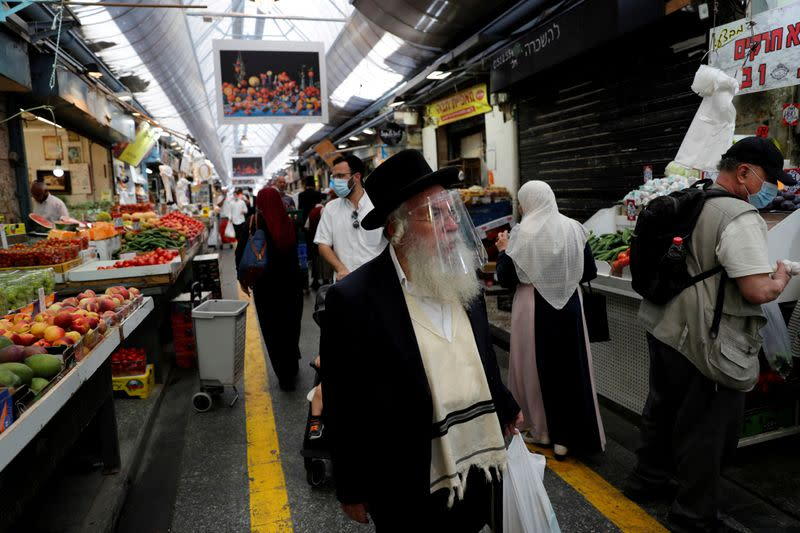 Israel to lock down nationwide in main holiday season amid COVID-19 surge