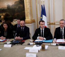Macron prepares response to 'yellow vest' protesters as Paris cleans up