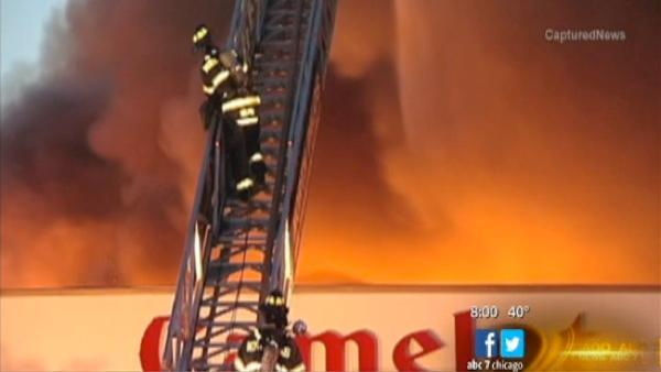 Banquet hall fire ignites in Hickory Hills