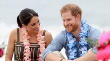 Príncipe Harry e Meghan participam de encontro sobre saúde mental em praia australiana