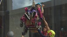 Teen with cerebral palsy rappels down Winnipeg skyscraper in her wheelchair for charity