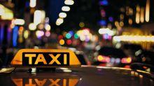 Frischgebackene Eltern vergessen ihr Neugeborenes in Taxi