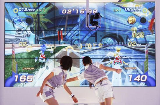 Microsoft tells Japanese gaming division to try, try again