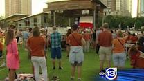 'Stand for Texas' supporters take over Discovery Green