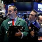 Tech leads S&P above 2,600; Amazon, other retail stocks gain