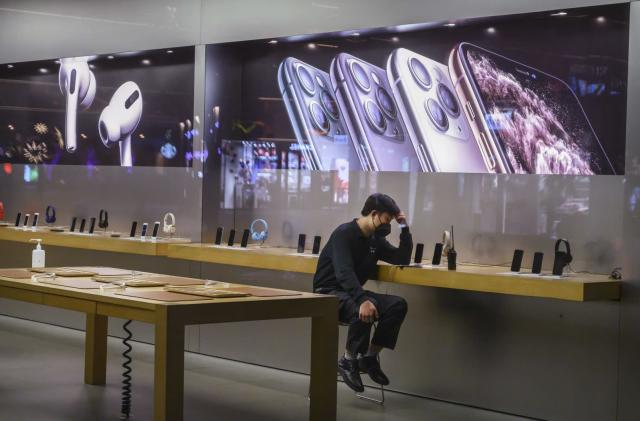 Apple is closing all mainland China stores due to coronavirus outbreak