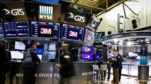 Wall Street fecha em queda após recuo da atividade fabril dos EUA