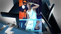 Justin Bieber News Pop: Justin Bieber Goes Shirtless During L.A. Concert, Serenades Crying Fan Onstage