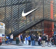 Nike CEO Mark Peter out, John Donahoe to replace him